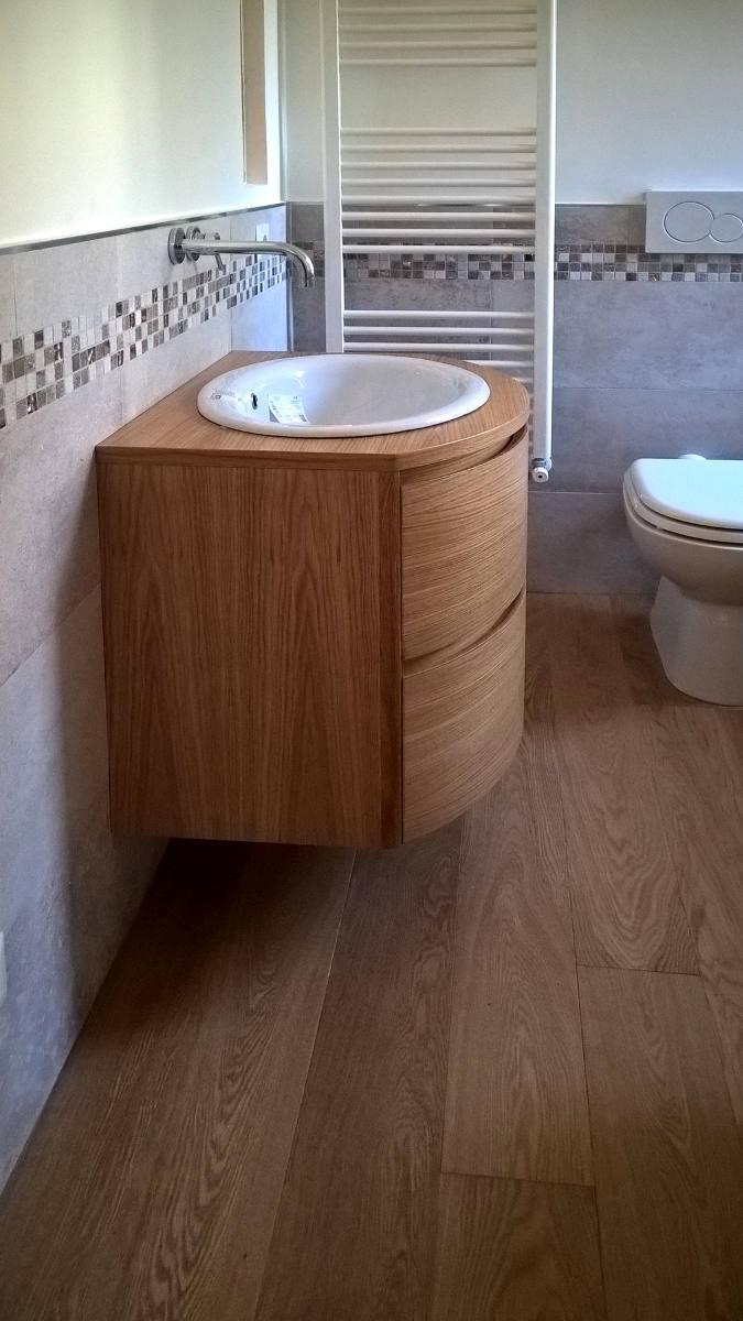 Mobile bagno convesso mobile artigianale Gamma Arredamenti Snc Macerata